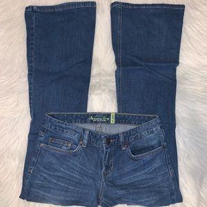American Rag Flare size 5 short jeans B03